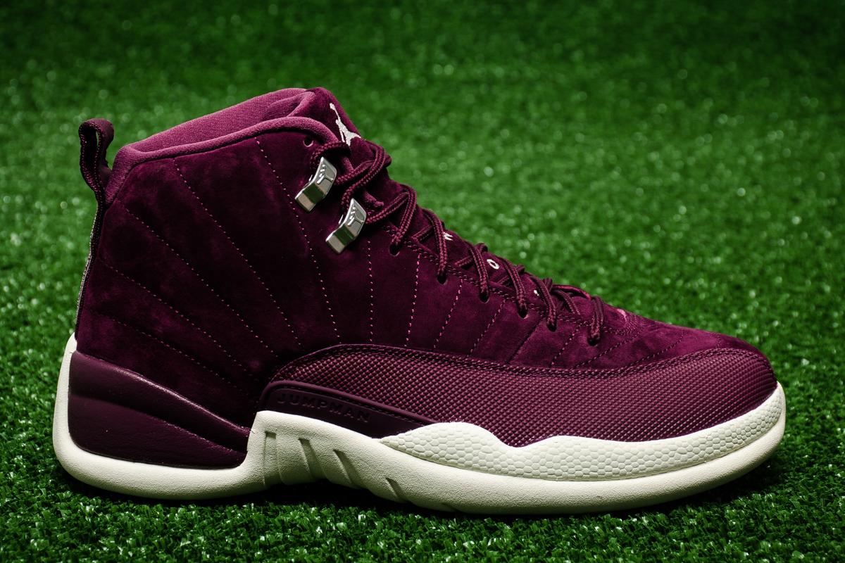 Air jordan 12 retro bordeaux shoes casual sporting for Retro bordeaux