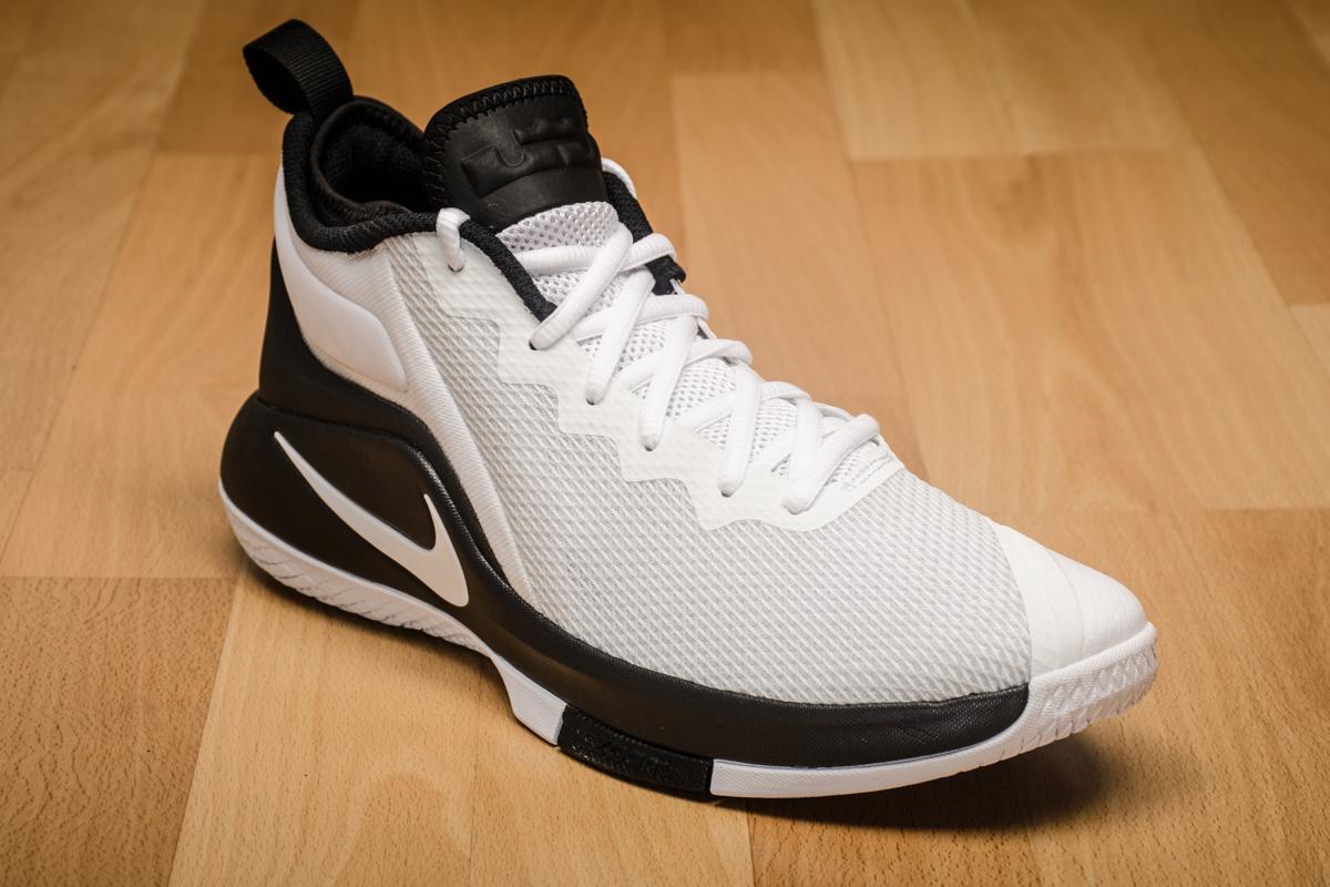 Nike Chaussure de basketball Lebron Witness II yy1Kp3Ut7