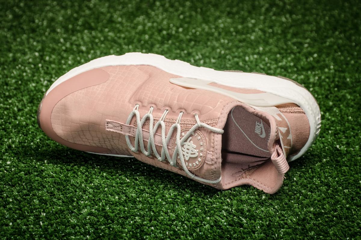 d90cb9257d10 Nike WMNS Air Huarache Run Ultra - Shoes Casual - Sporting goods ...