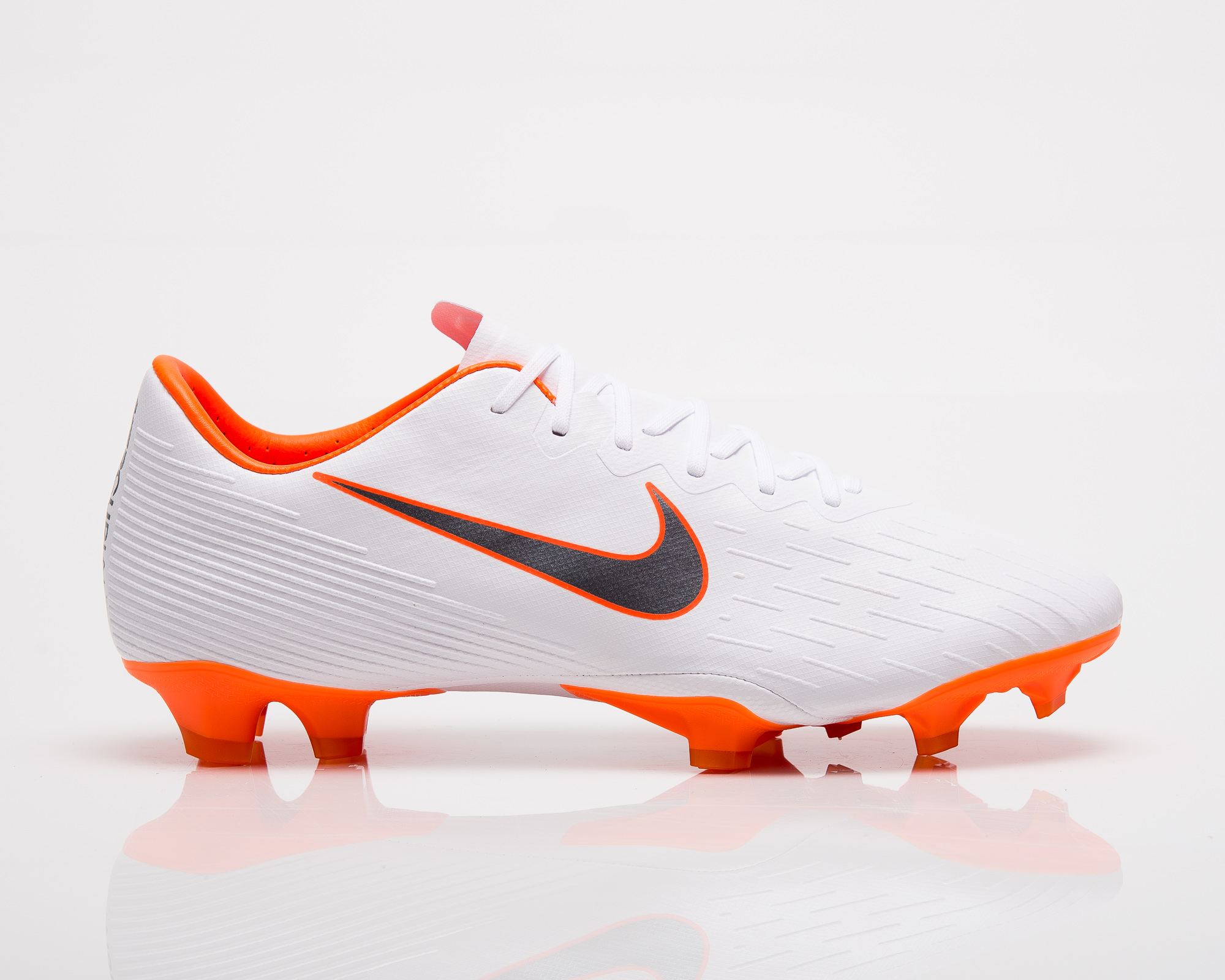 lower price with 7e717 02559 Nike Mercurial Vapor XII Pro FG