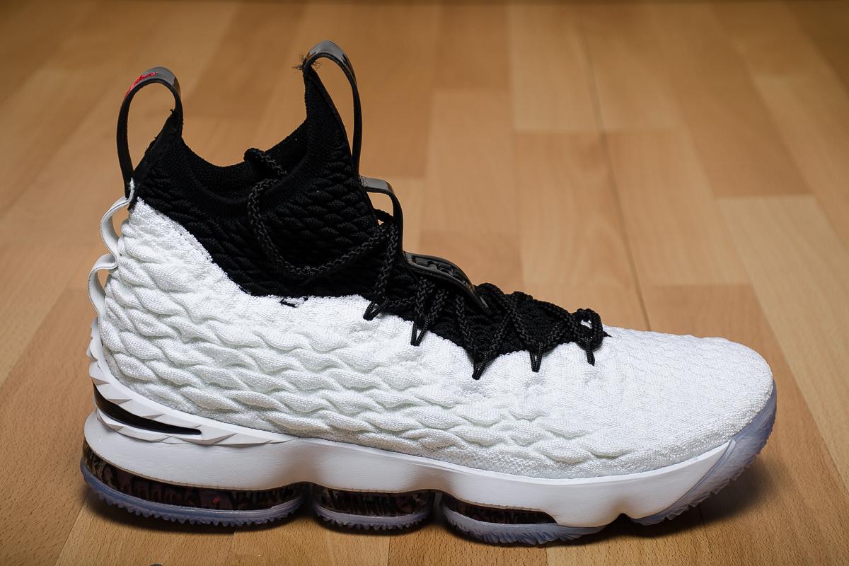 f3e87fb9b75f0 Nike Mens LeBron 15 Basketball Shoes DICKS Sporting Goods - e-pic.info